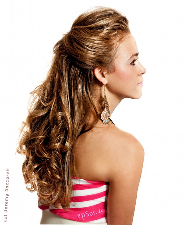 beautiful blonde hair curls